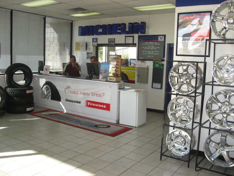 800pix-Community-Tires-Buckeye-Service-Desk
